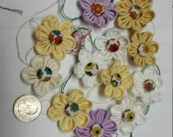 Free Shipping !!! - Lot of 12 small fabric flower