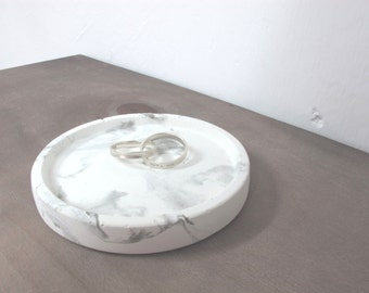 White marble patterned concrete tray / dish / coaster / accessory holder in Round shape