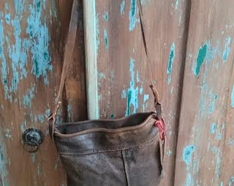 Handbag from recycled leater