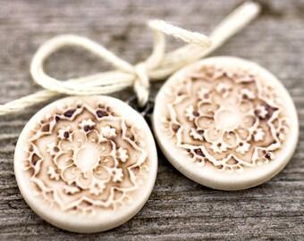 Round mandala porcelain pendants|Iron wash and clear glaze