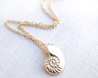 Dainty Gold Ariel Necklace Little Mermaid Necklace Ariel Voice Sea Shell Necklace Conch Necklace Seashell Ammonite Pendant White Pearl gift