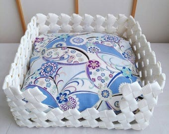 Pet bed, dog bed, cat bed, pet house, dog house, cat house, gift, white, flower, Japanese, eco friendly