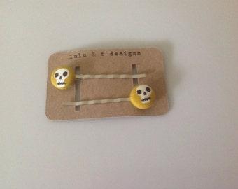 Skull fabric covered button bobby pins, skull hair accessories, skull fabric covered button hair pins-pair
