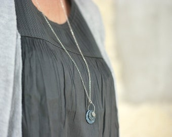 Long grey necklace 'Centaurée' long sterling silver chain, grey sequins with handmade vegetal patterns
