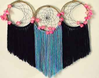 Moon Phase Floral Dreamcatcher / Moon Phase Wall Hanging / Wiccan Goddess / Bohemian Home Decor / Boho Wall Hanging / Hippie Home Decor