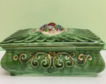Brayton Laguna Pottery Lidded Box, 1943 Lettuce Green Ceramic Box