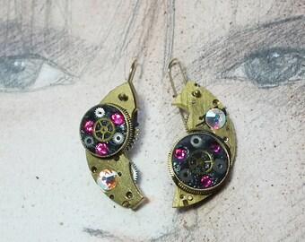 Steampunk earrings, art-deco, gustav Klimt, style gears, resin & pink swarovski cabs for pierced ears or not