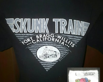 Vintage 80's / EARLY 90's Skunk Train Fort Bragg - Willits California Textured T-shirt Large