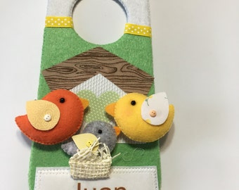 Personalized children's door hanger. Felt door plate.