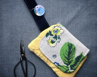 Vintage barkcloth yellow floral wristlet - small zipper pouch