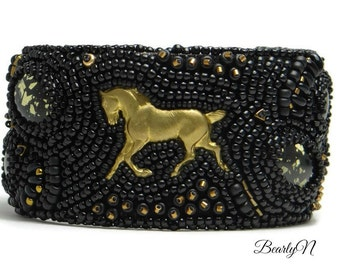 Black and gold bracelet cuff , equestrian jewelry L'Ecuyer, brass horse,  gift for her, bead embroidery, gift for horse rider