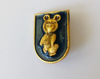Soviet pin badge Olympics bear Symbol Olympics games Moscow 1980  Enamel badges Collectable badges  USSR