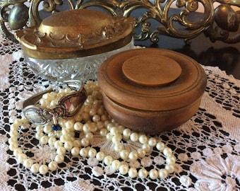 Antique treenware Victorian Edwardian wood powder box vanity bathroom decor trinket