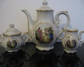 Vintage 1950's Colonial Couple - Teapot set!