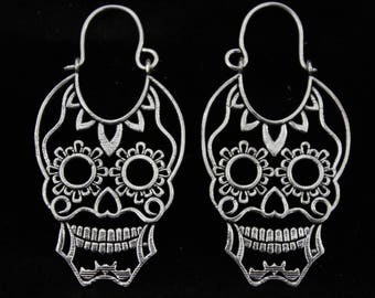 Tribal skull earrings.Silver plated.Ethnic jewelry.Carlavera mexicana.Mexican skull.Catrina.Ink tattoo style.Unique skull design earrings.