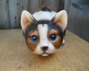 Calico Cat Crouching Figurine / Vintage