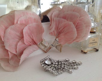 Lovely old stock vintage millinery flower