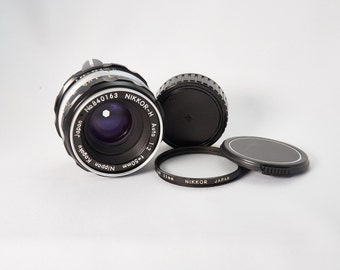Nikkor-H 50mm f/2.0 Lens Kit