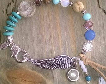 ⭐ Wing of ⭐ ⭐ semi-precious stones beaded bracelet