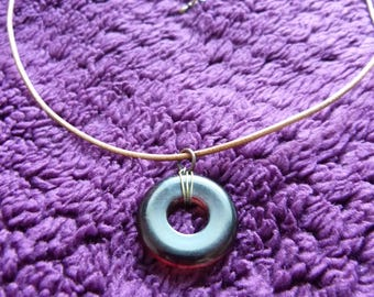Simple necklace with pendant ring leather