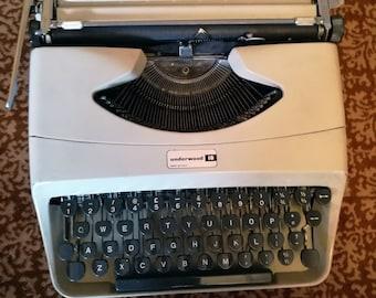 Vintage Typewriter UNDERWOOD 18 Working Manual Mint Retro Vintage Typewriter Underwood Typewriter Italian typewriter