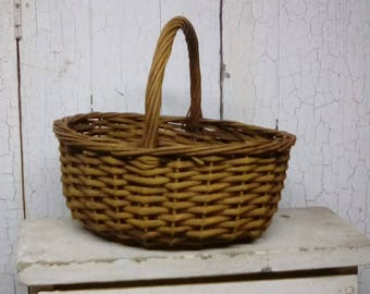 """Painted basket - """"Primitive"""" painted basket - Mustard painted and antique waxed basket - Farmhouse style basket - Country style basket"""