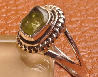 Ring Silver 925 stamped with genuine Peridot gemstone