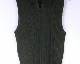 PLEATS PLEASE Issey Miyake Black pleated Sleeveless zip tops