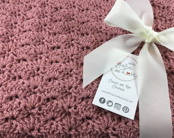 Crochet Baby blanket - Crochet blanket - Baby shower gifts - New baby gifts - Girl baby blanket - Photo props
