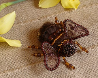 hand made Miniature Bumblebee brooch,Hand Made in Italy/perline Spilla Bombo/Fatto a mano/Brooch made of beads