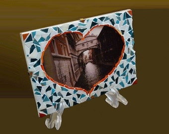 Picture Frame, 4''x 6'' Photo Frame, Heart Shaped Handmade Mosaic Photo Frame, Wall Decor, Mosaic Decor, Mosaic Frame, Romantic Gift