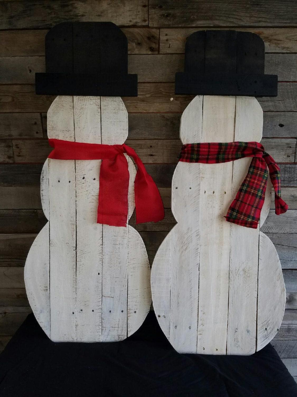 Christmas pallet porch snowman decor