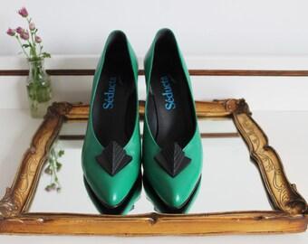 Vintage Seducta Studio Art Deco Green Leather Embellished Shaped Heels Slip On Court Shoes Size UK 6 EU 39 US 8