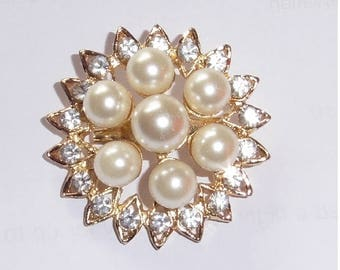 Gold Plated Rhinestone and Faux Pearl brooch