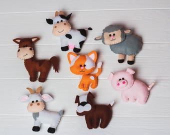 Felt farm stuffed animals Horse Pig Cow Dog toy Nursery decor Ornaments Gift for kids Magnet animals Baby Gift Mobile Farm Play Set animals