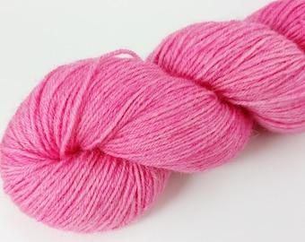Gerbera hand dyed BFL/trilobal nylon hot weight yarn