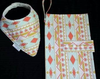 SALE Nappy wallet and Dribble bib set - Gift set - Baby Shower gift - Nappy Clutch - Baby bib - Drib - Matching set