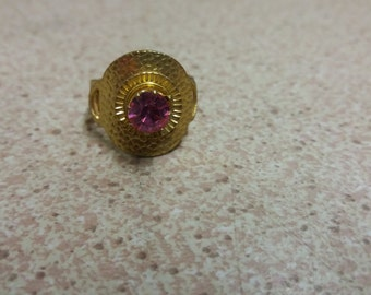 Vintage Purple Stone Amethyst Ring - Kitsch Boho Chic - Iconic Piece - Disney Celtic Goldtone
