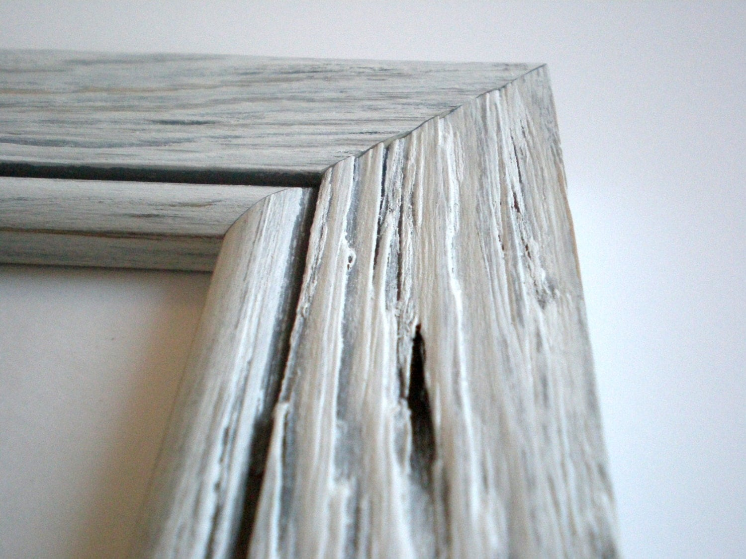 zoom - Driftwood Picture Frame