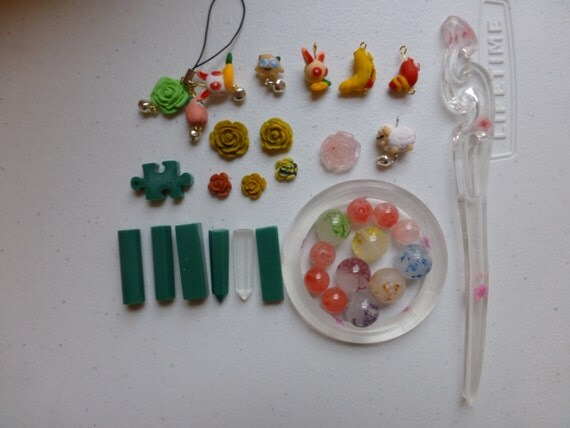 Unfinished Accessories Resin Material Green Resins and Flower Beads and Bracelet Resins