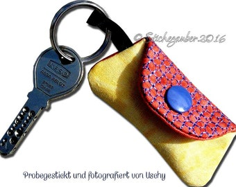 ITH no time pockets key fob 10x10cm