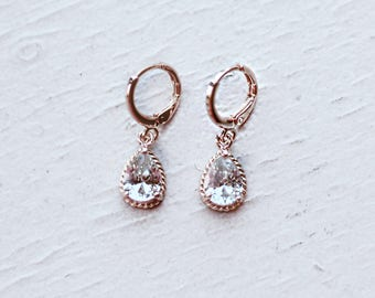 Crystal teardrop earrings Vintage gold bridal earrings rhinestones