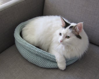 Minimalist modern cat bed - Seafoam Blue