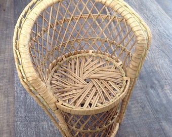 Vintage wicker chair/ plant stand