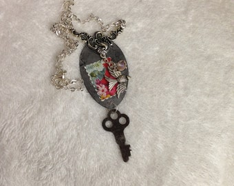 Vintage skeleton key pendant