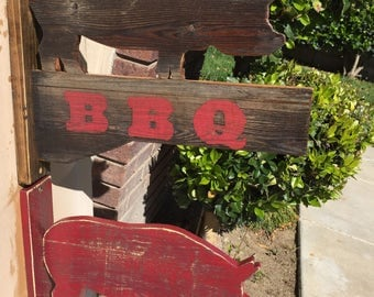 BBQ PIG SIGN for indoor or outdoor use, rustic and farmhouse style