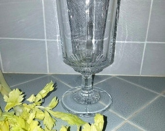 Celery Vase - Beautiful Vintage 3-Mold  – Excellent Condition