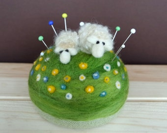 Needle Felted Sheep Pincushion - Quilter Pincushion - Wool Pincushion - Gift for Quilter - Gift for Seamstress - Spring Gift - Made to Order