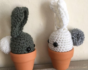 Crochet bunny in a terracotta pot, easter bunny, bunny ears (one only)