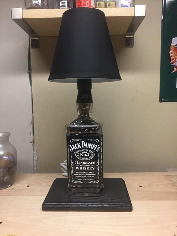 lampe de jack daniels. Black Bedroom Furniture Sets. Home Design Ideas